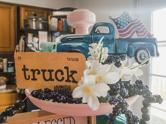 Red, White and Blueberry Tiered Tray with the farmhouse love flashcards