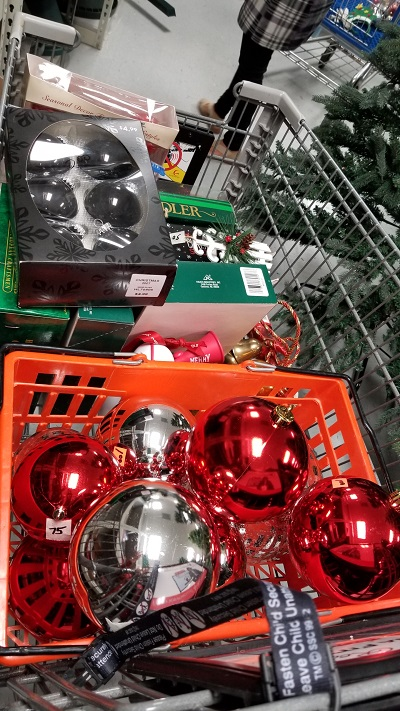 Budget Decorating For Christmas
