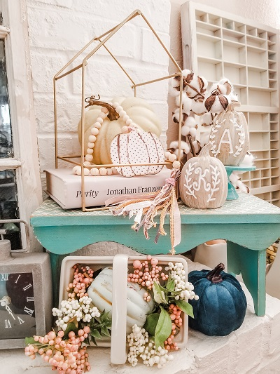A Fall Mantel in Pastels – Harvest Hop 2021