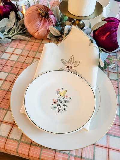 Thrifty place setting for fall