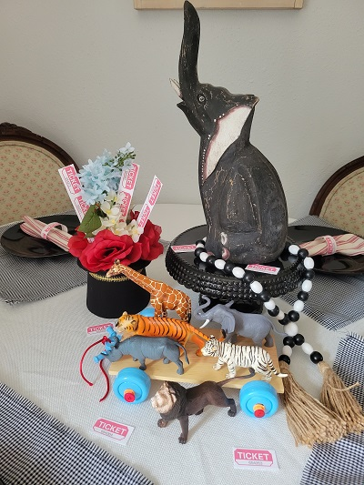 A DIY Circus Centerpiece Is Coming To Town